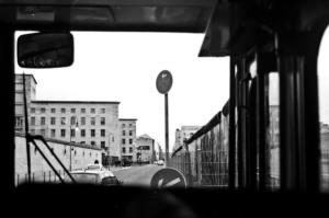 aus dem bus