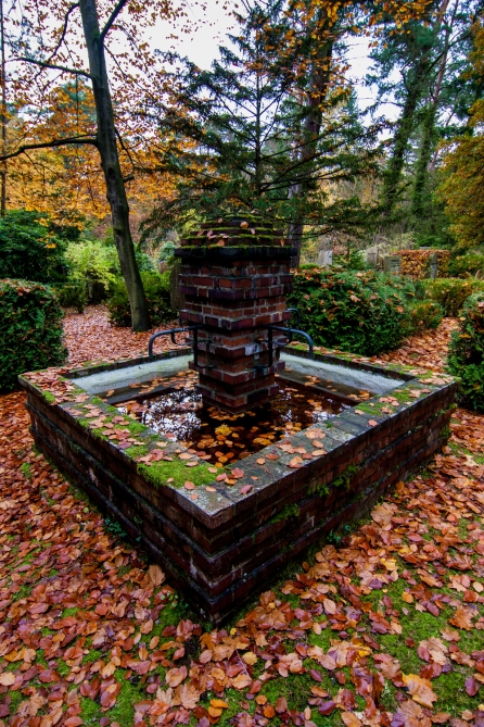 a fountain in autumn at südwestkirchhof stahnsdorf #südwestkirchhof copyright andreas reich 2013