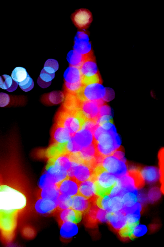 the ugliest xmas tree in berlin, i couldnt focus on it, copyright 2013 andreas reich