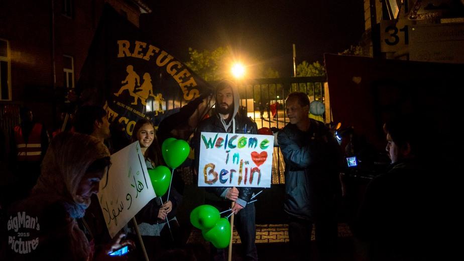 refugees arrive inberlin