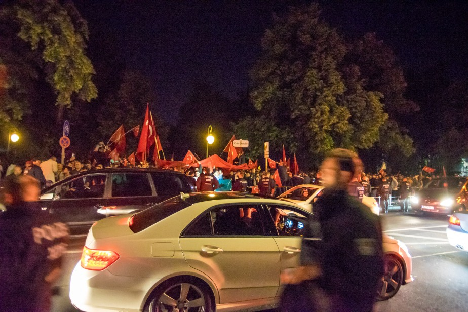 Coup in Turkey: Berlin Turks Protest
